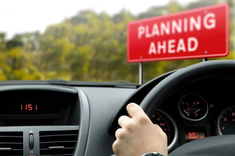 Tutorial explaining how to plan ahead while driving